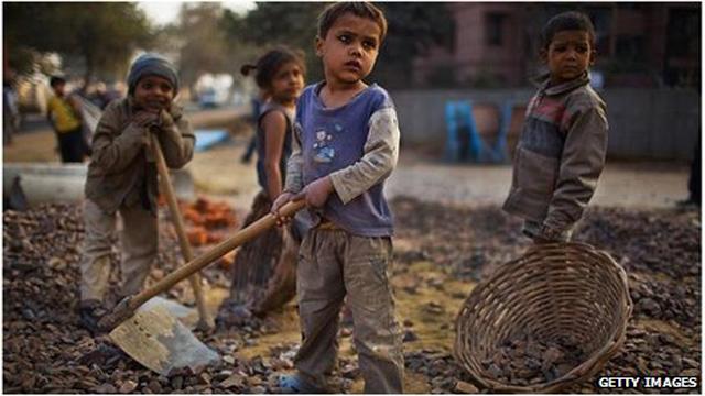 Children-Working-In-Quarry