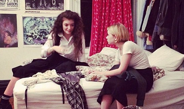 casual hangout between wunderkin Tavi Gevinson and Lorde