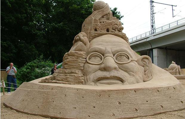 gandhi sand art
