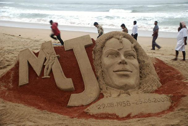 michael jackson tribute sand sculpture