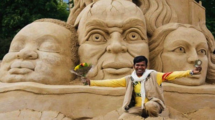 sand artist and sculptor