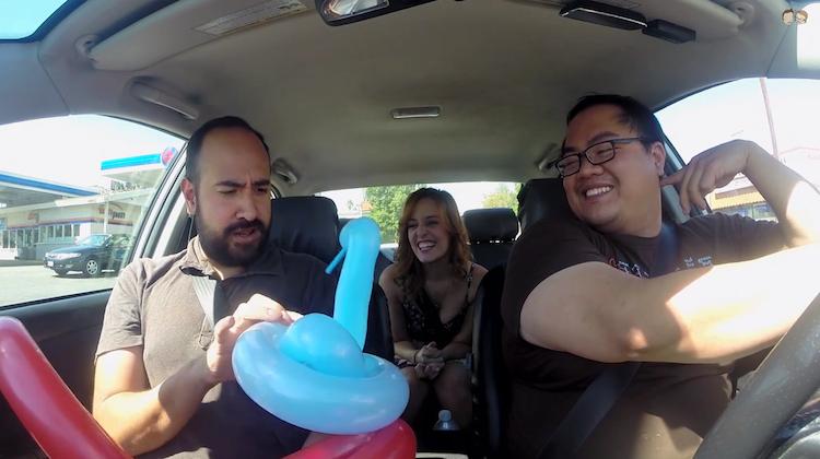 lyft driver surprises passengers with balloon animals