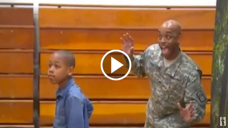Army Corporal James Bass photobombing son Joshua