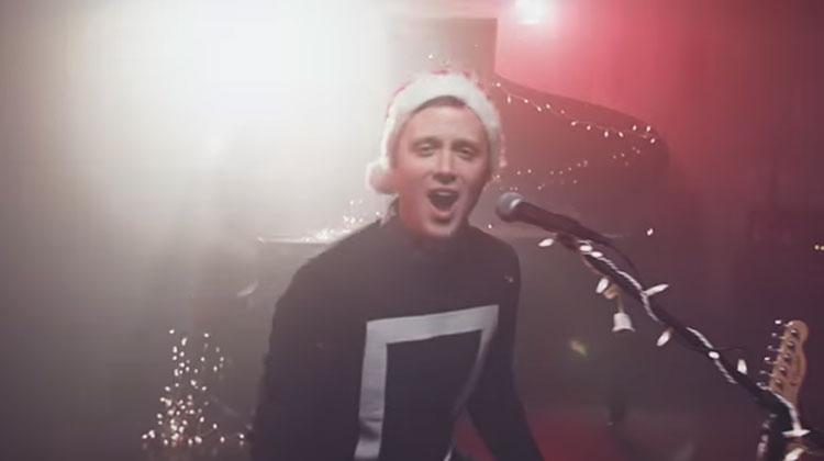 Macarena Roblox Id Code Holfelder All I Want For Christmas Mhrqsk Newyear2020theme Info