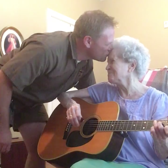 Alzheimer's Ridden Mom Joined by Son for an Emotional Country Duet 1