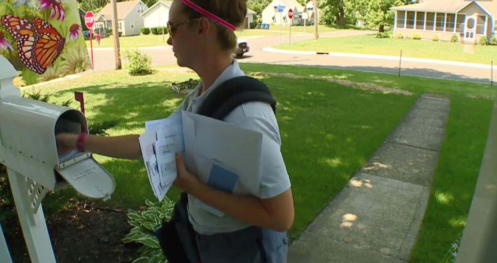 postal carrier calls cops about elderly man