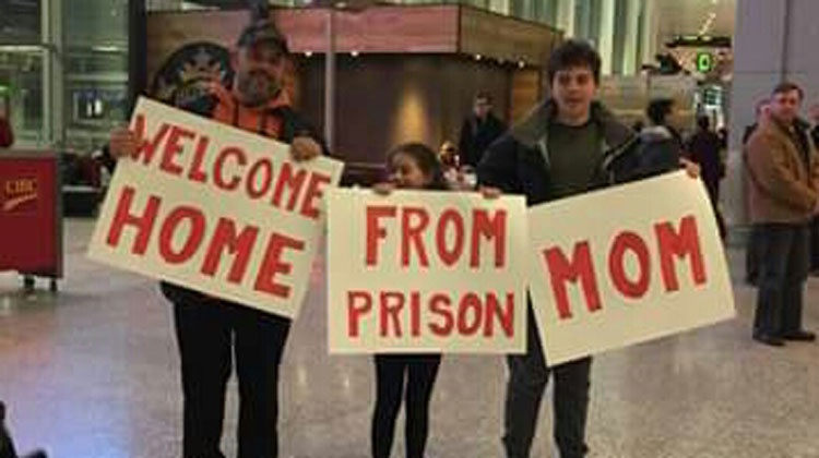 """12 Of The Most Embarrassing """"Welcome Home"""" Signs Of All Time"""