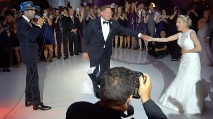 Tim mcgraw grabs mic during father daughter dance shocks bride tim mcgraw grabs mic during father daughter dance shocks bride with ultimate wedding day surprise junglespirit Image collections