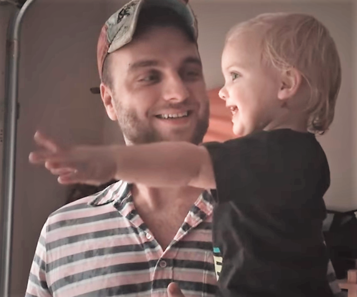 Toddler Experiences First Summer Rain With Dad - InspireMore