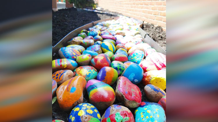 740 Students Paint Rocks For Cool Art Project Inspiremore