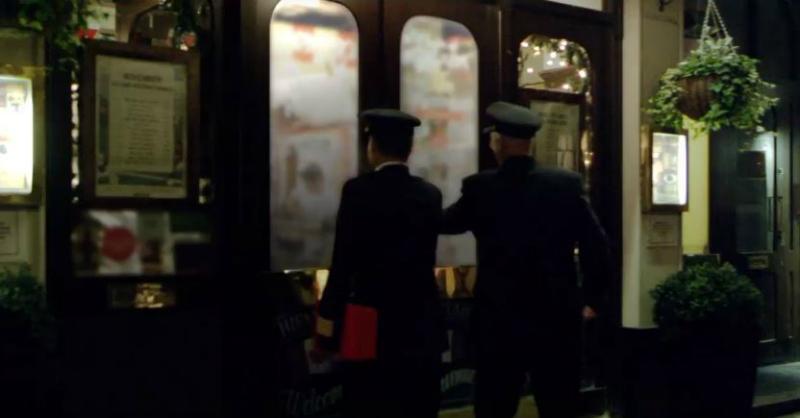pilots come to pub