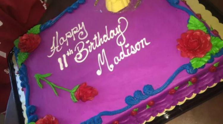 Brilliant Mom Buys Cakes For Strangers Daughter Inspiremore Com Funny Birthday Cards Online Benoljebrpdamsfinfo