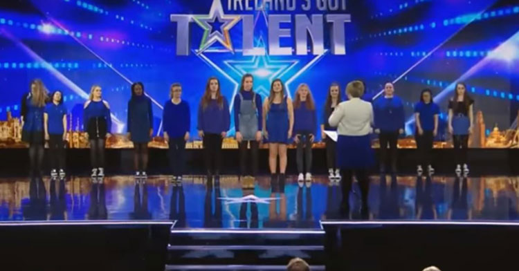 13 Deaf Girls Stand Onstage, Touch Judges' Hearts When Ed Sheeran Starts To Play.