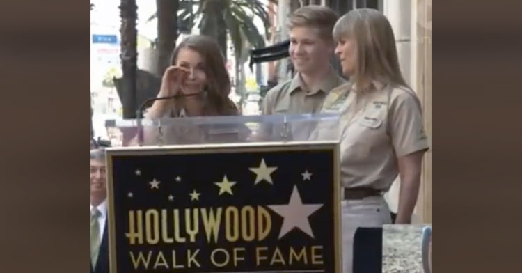 Bindi Irwin Gives Tribute To Dad At Hollywood Walk Of Fame