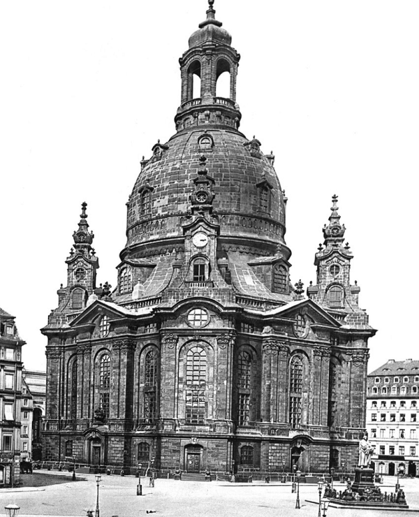Frauenkirche Dresden before and after