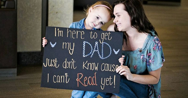 Mom Hands Clueless Toddler Sign She Can't Read, Films Moment She Sees Dad Come Home.