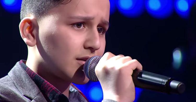 "Little Refugee Boy Sings ""My Heart Will Go On"" & Has Judges Standing On The Chairs."