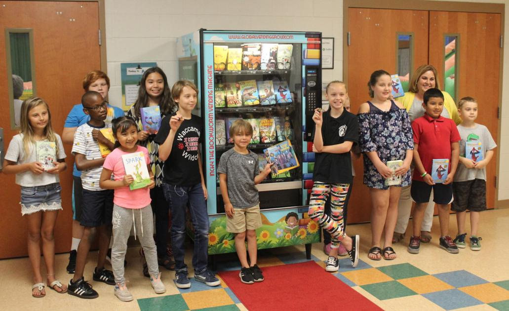 inchy bookworm vending machine