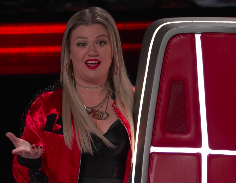 stunned kelly clarkson