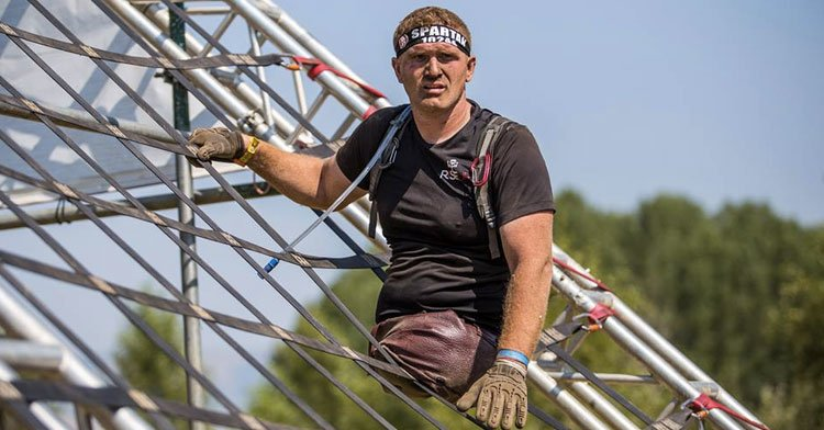 Kacey McCallister Completes Spartan Race WIth No Legs