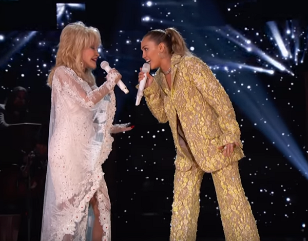 Dolly Parton Shines With Star-Studded Grammy Performance ...