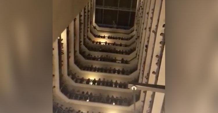 hotel choir down in river to pray