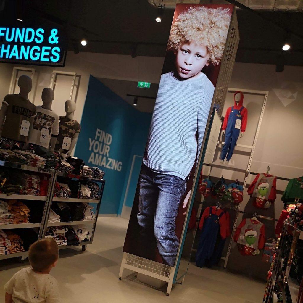 elijah's store display