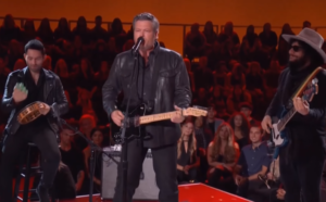 blake shelton sings elvis hit