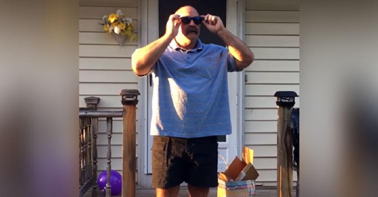 bodybuilder dad colorblind
