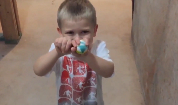 Dad Playing Along With Kid's Hilariously Bad Magic Trick Deserves An Award.