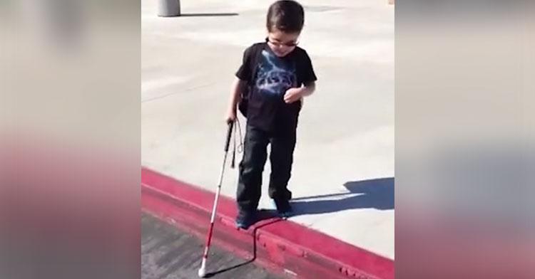 gavin steps off curb