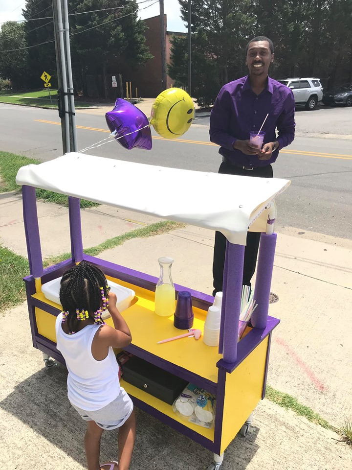 3-Yr-Old Creates Lemonade Stand To Help Women's Crisis Shelter.