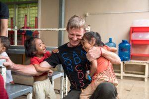 scott neeson and cambodian children