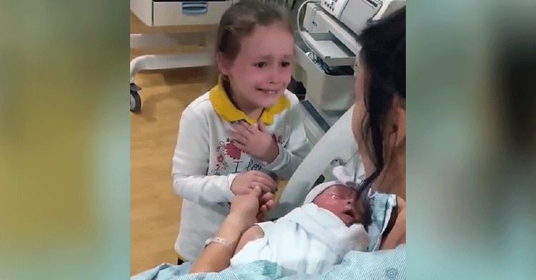 adalynn meets sister