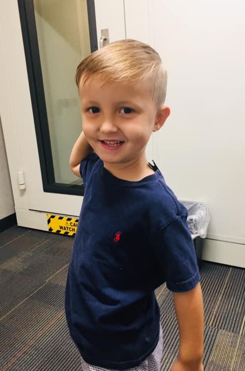 """Majka se rasplakala kada je vidjela fotografiju sina s njegovim """"blizancem""""  1"""