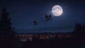ET holiday reunion commercial