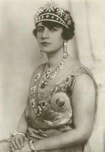 queen soraya tarzi