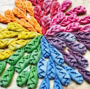 pasta rainbow art