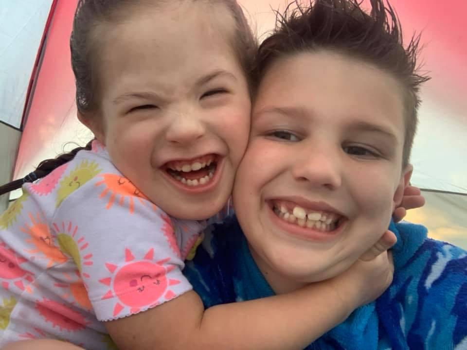 Brat i sestra u bolnici