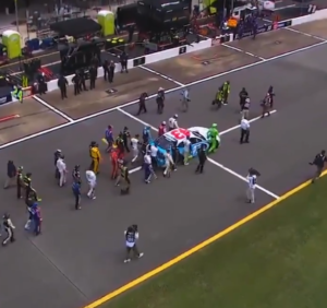 drivers push wallace's car
