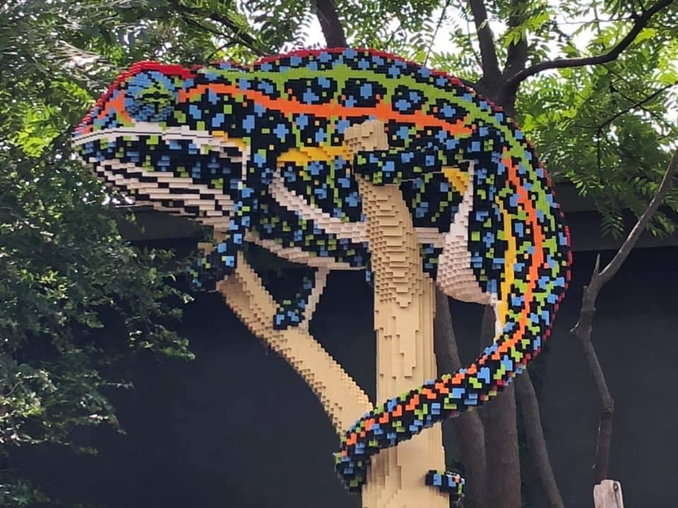 lego chameleon