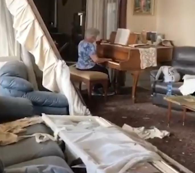 may plays piano