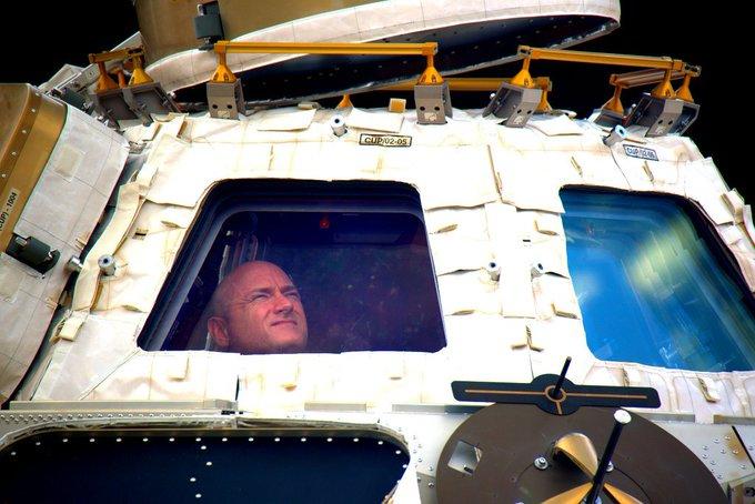 scott kelly in space