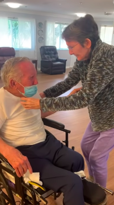 Couple Of 60 Yrs Finally Reunites After 215 Days Apart And Our Hearts Are Melting.