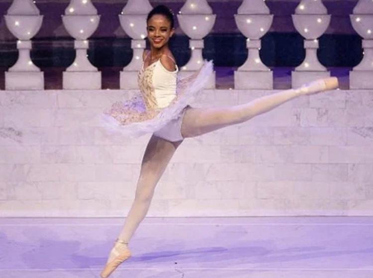 ballerina with no arms