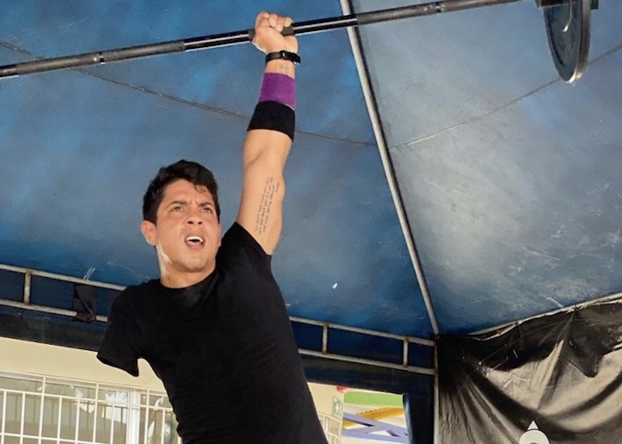 victor assaf lifting barbell