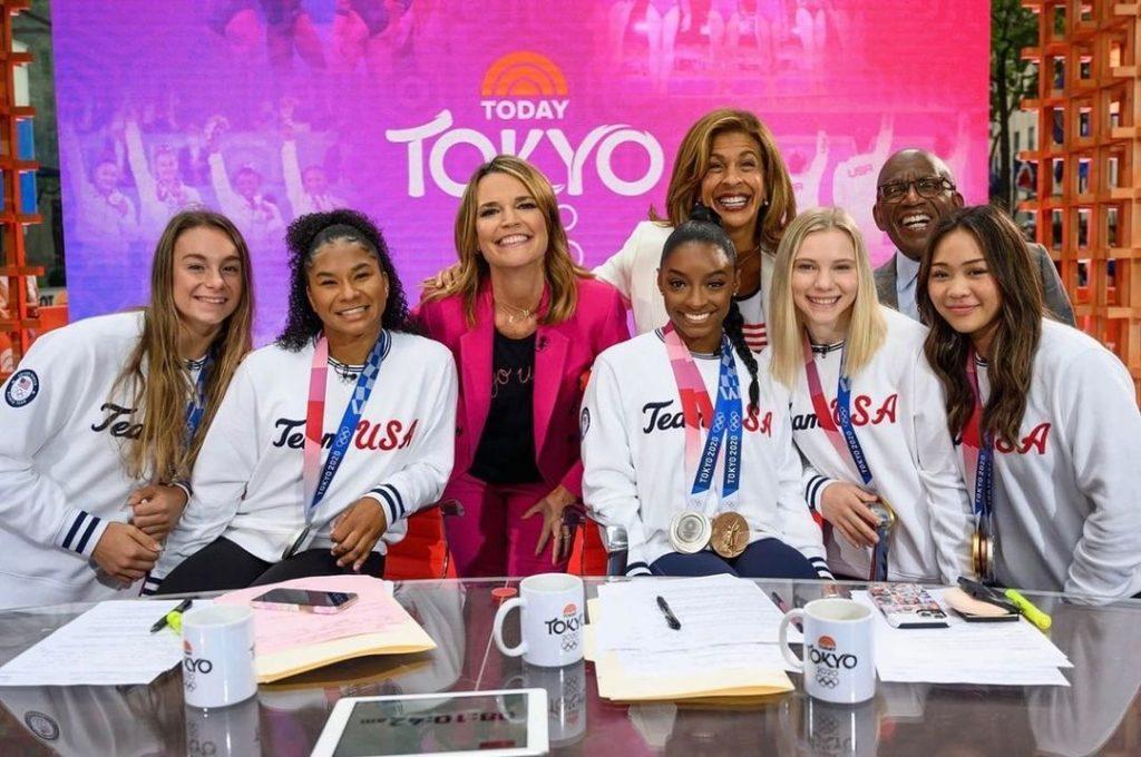 US womens gymnastics team with Today show hosts