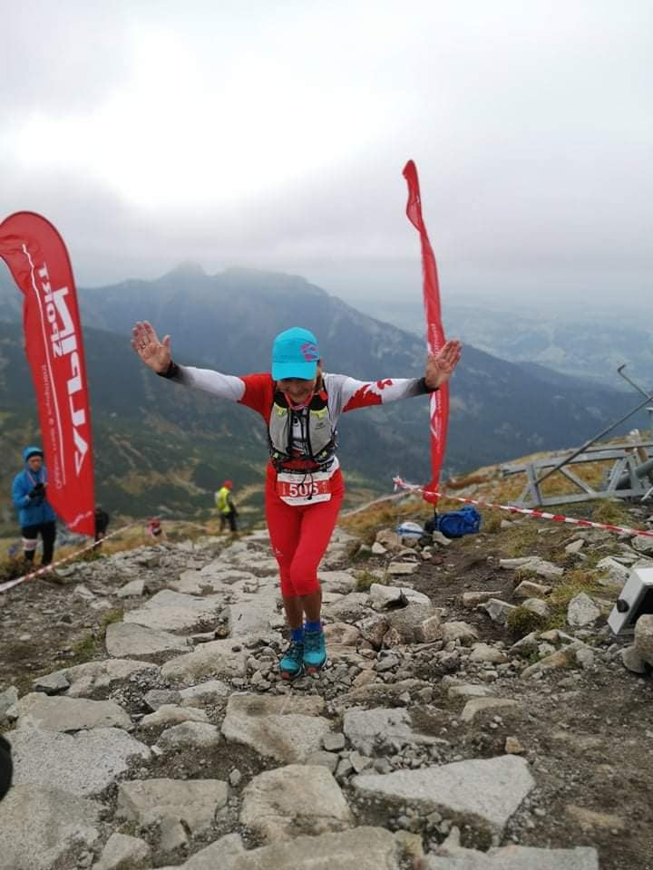 Barbara Prymakowska running mountain